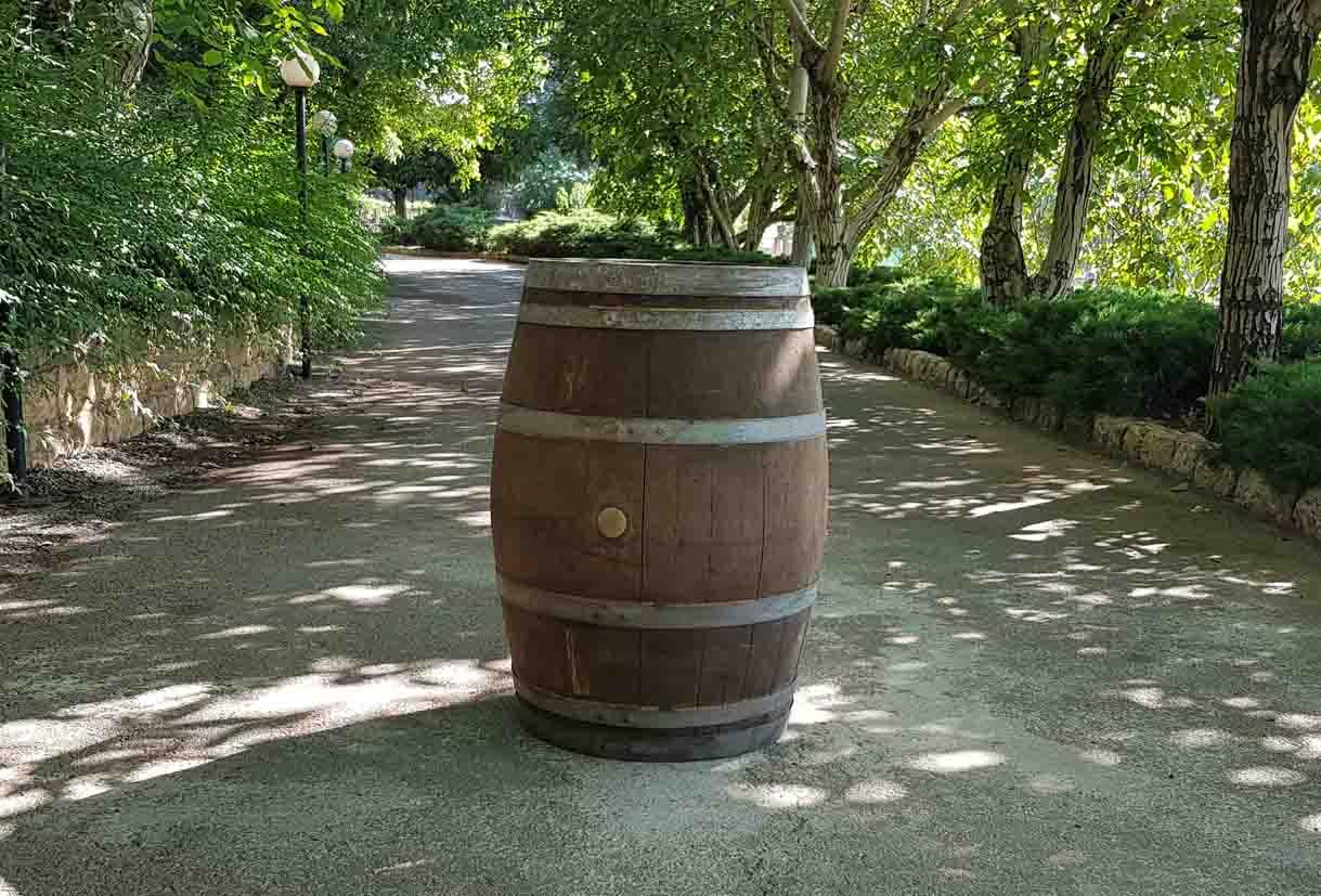 chateau ksara loyalty program gift french oak barrel new old dark light